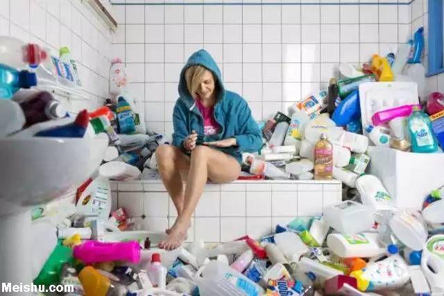 奇闻!法国女子竟4年不扔垃圾 占地60立方米