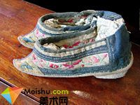 「三寸金蓮」所穿的弓鞋