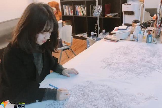 四川美术学院袖珍女孩的美术世界(封雪)