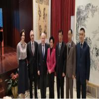 """""""新时代友好""""冯一束个人画展于北京俄罗斯文化中心开幕"""