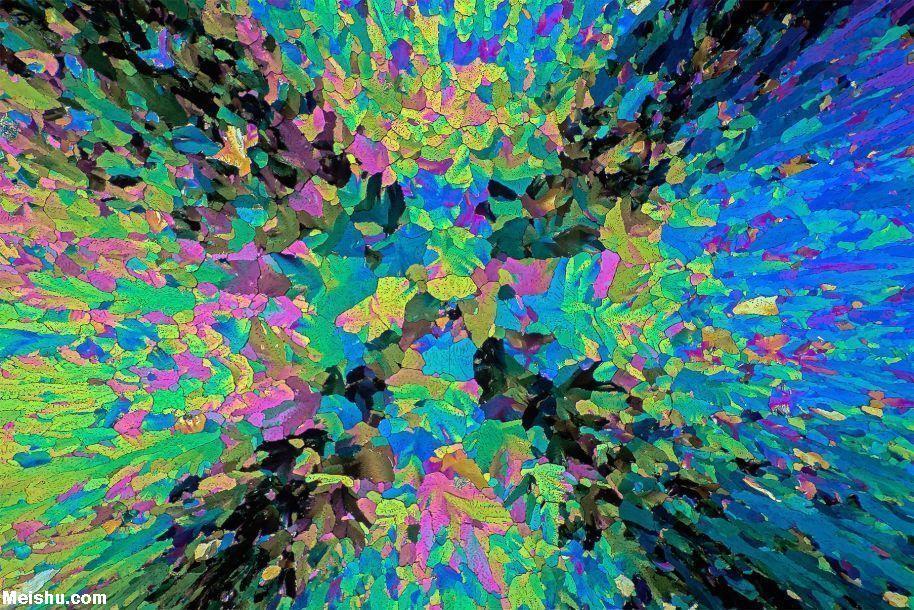 显微镜下的止痛药 色彩斑斓似抽象画