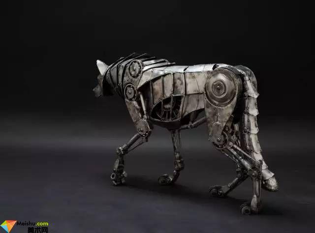 新时代的动物金属雕塑,完美!