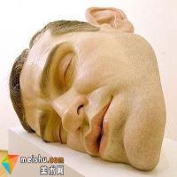 Ron Mueck的超现实主义人体雕塑